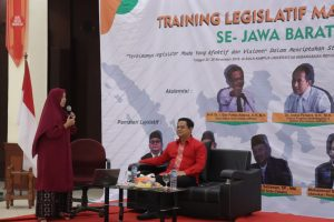 TRAINING LEGISLATIF MAHASISWA SE-JAWA BARAT